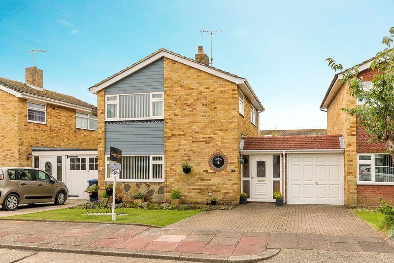 3 Bedrooms Detached House for sale in Durrington, Worthing