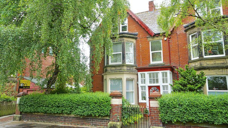 1 Bedroom Apartment Flat for sale in CARTINGTON TERRACE Heaton