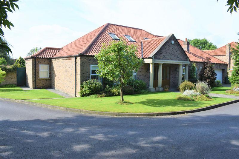 4 Bedrooms Detached House for sale in Middlegate Mews, Melton Ross, DN38