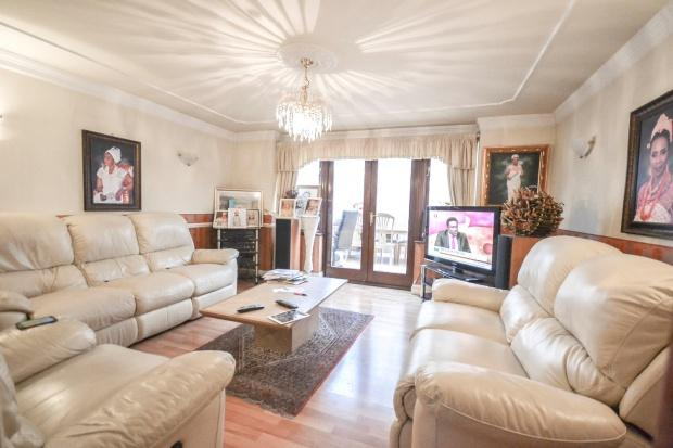 4 Bedrooms End Of Terrace House for sale in 1 Rainbow Avenue, London, E14