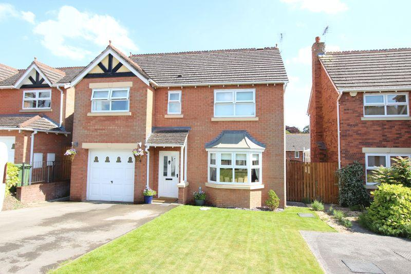 4 Bedrooms Detached House for sale in 74 Hillcrest, Ellesmere