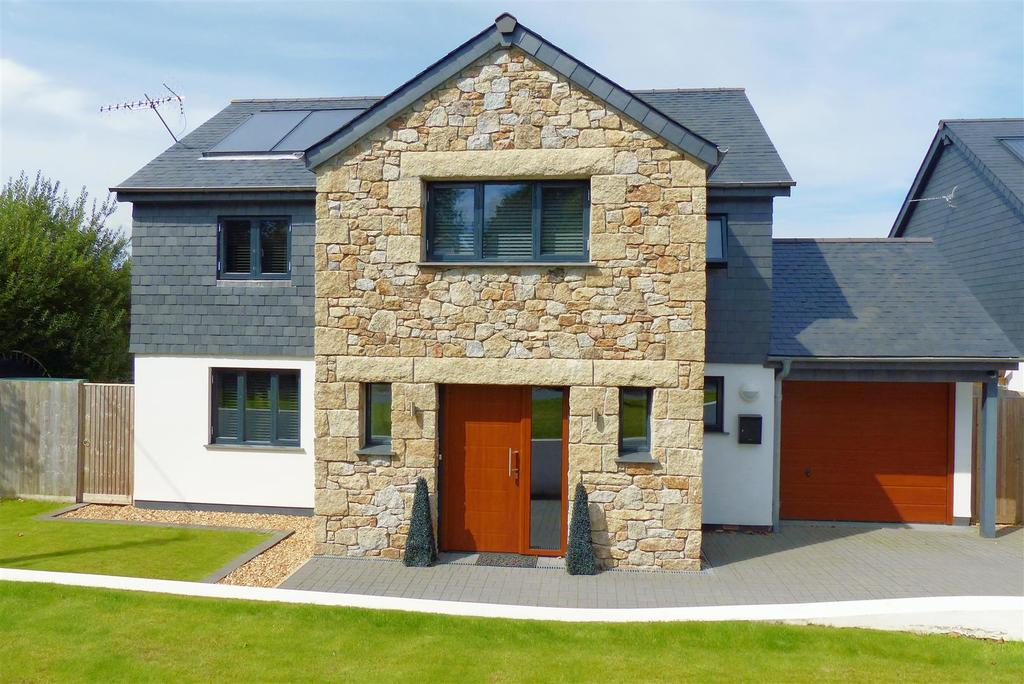 4 Bedrooms Detached House for sale in Frogpool, Nr. Perranwell Station