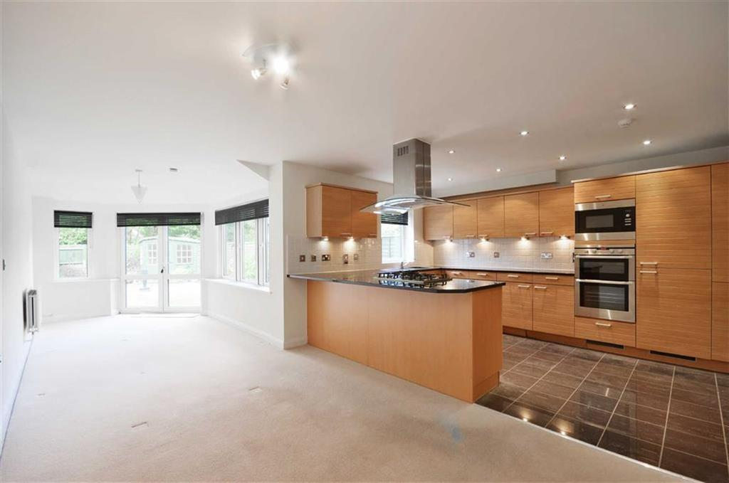 4 Bedrooms Town House for sale in Carew Road, Northwood, Middlesex, HA6