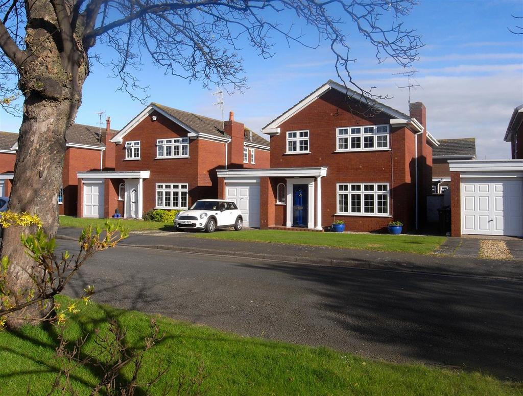 4 Bedrooms Detached House for sale in St. Marys Court, Rhyl