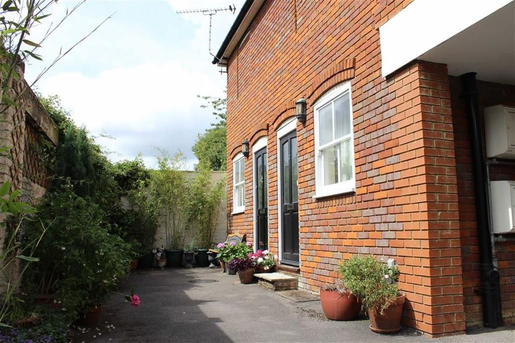 1 Bedroom End Of Terrace House for sale in The Mews, St Albans, Hertfordshire