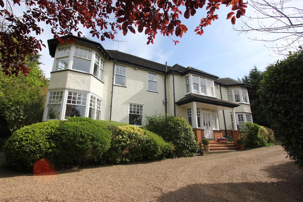 6 Bedrooms Detached House for sale in Hutton Mount, Brentwood