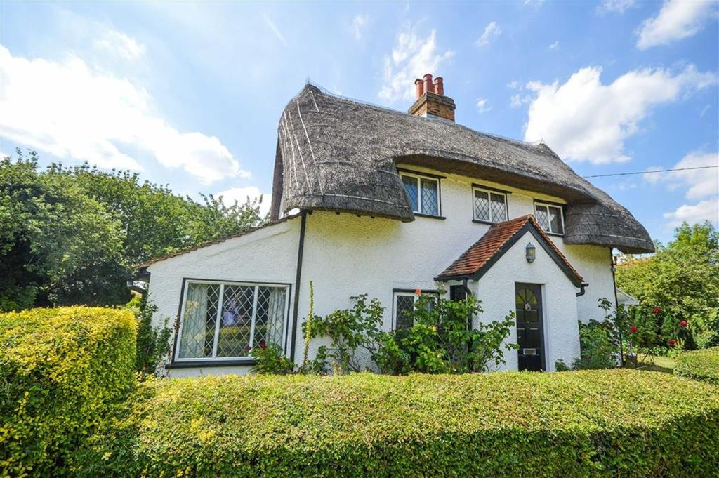 2 Bedrooms Cottage House for sale in Helham Green, Wareside Ware, Hertfordshire, SG12