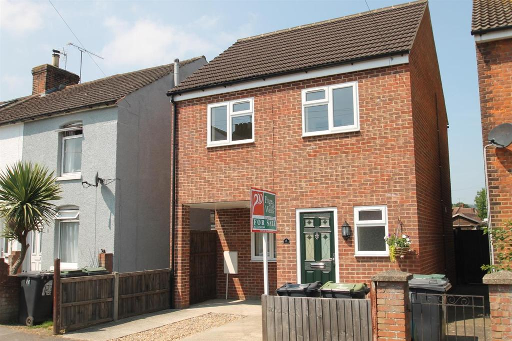 2 Bedrooms Detached House for sale in Recreation Avenue, Snodland