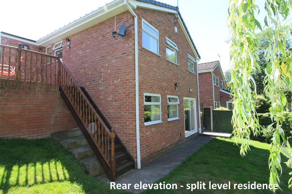 3 Bedrooms Detached House for sale in Northside Close, Sundorne Grove, Shrewsbury