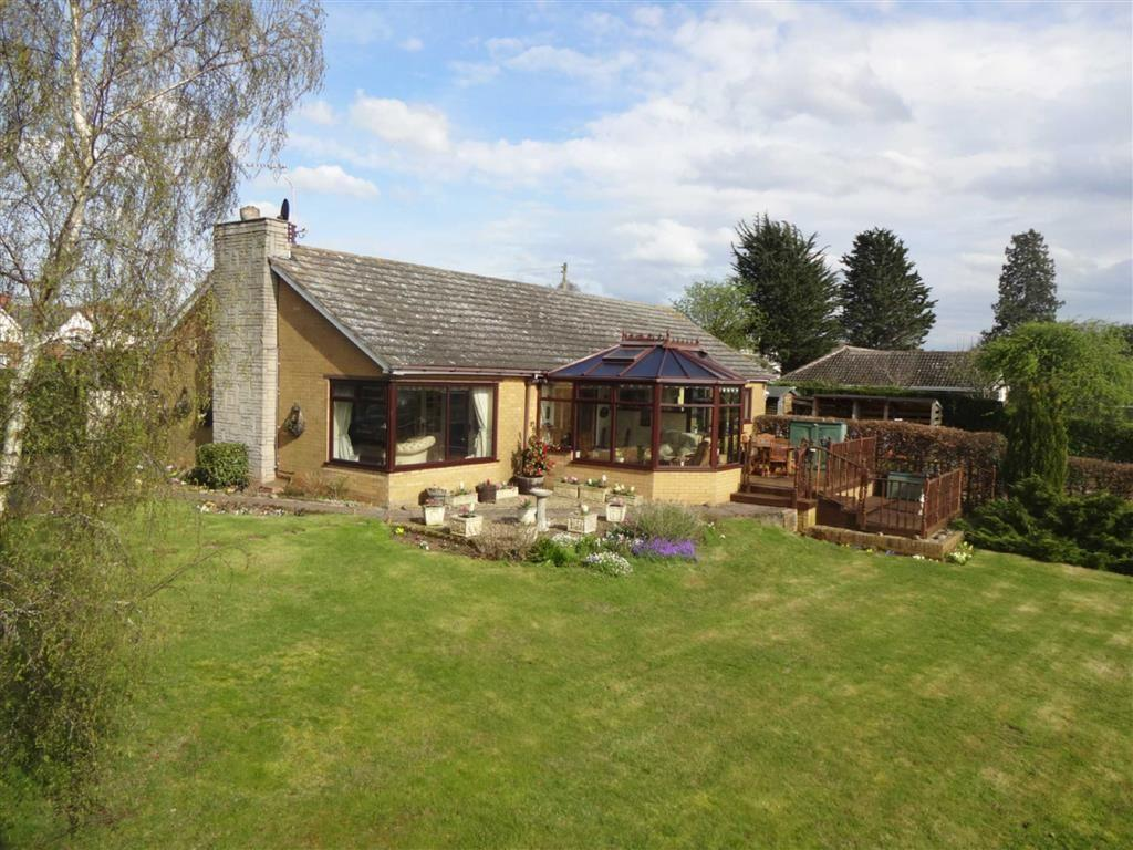 4 Bedrooms Detached Bungalow for sale in Woodhill Road, Highley, Shropshire