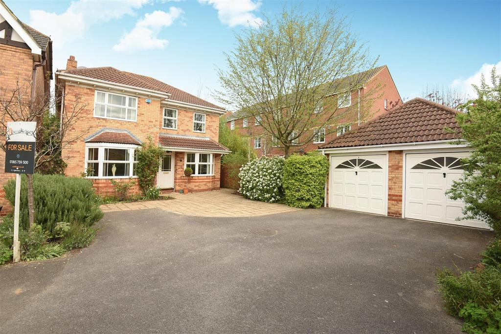 4 Bedrooms Detached House for sale in East Field Close, Headington, Oxford