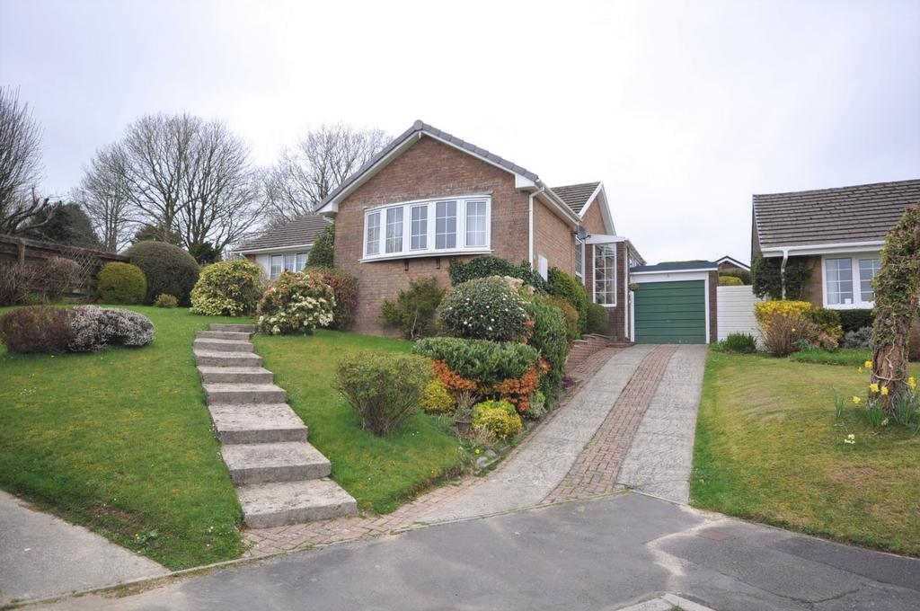3 Bedrooms Detached Bungalow for sale in 5 Groesffordd Fach, Carmarthen SA31 1EB