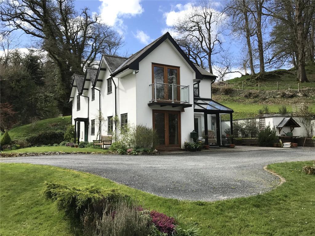 4 Bedrooms Detached House for sale in Penybont, Llandrindod Wells, Powys