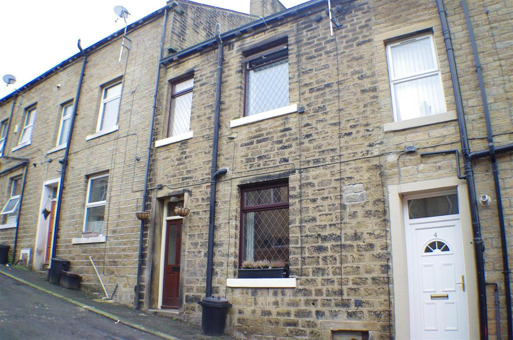 3 Bedrooms Terraced House for sale in Back Queen Street, Greetland, Halifax