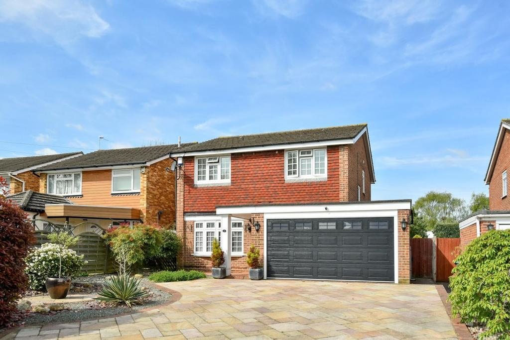 4 Bedrooms Detached House for sale in Sunnyfield Road, Chislehurst