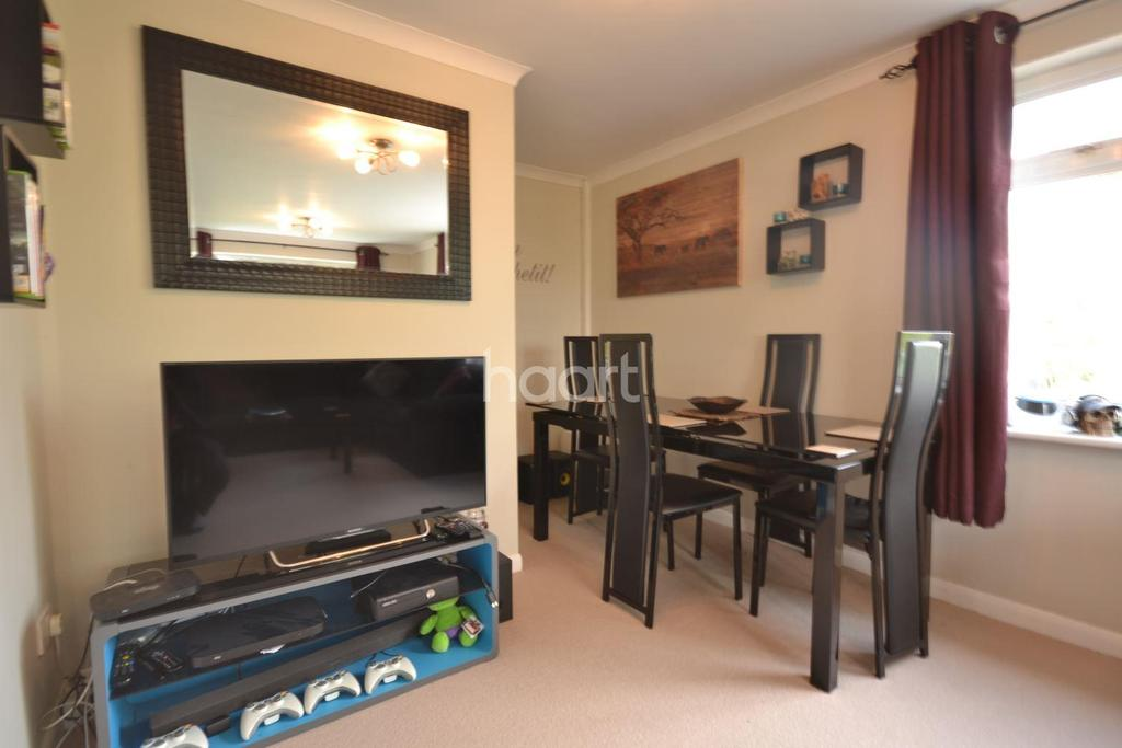 2 Bedrooms Maisonette Flat for sale in Stoughton, Guildford, Surrey