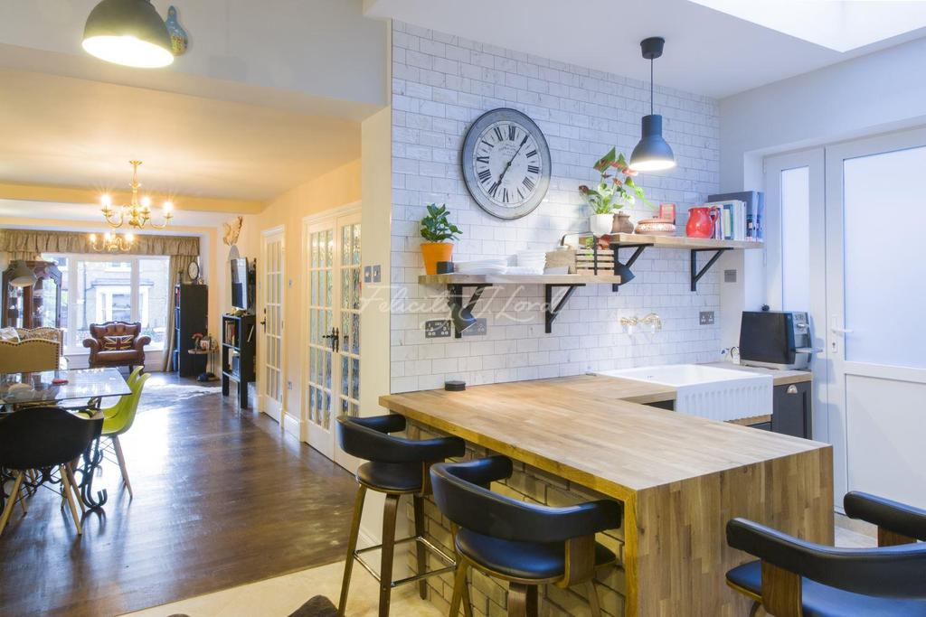 3 Bedrooms Detached House for sale in Eglinton Hill, Shooters Hill, SE18