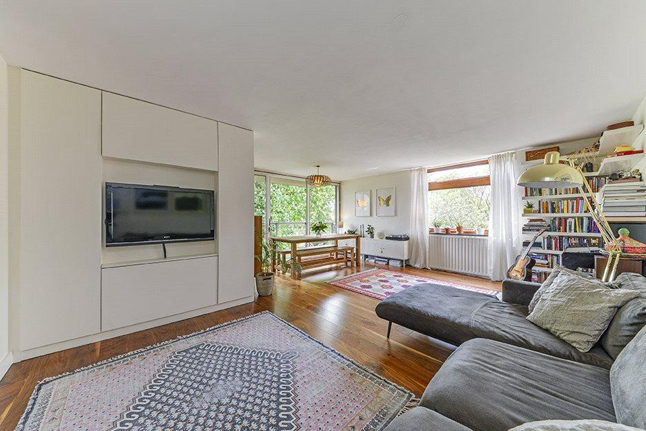2 Bedrooms Flat for sale in Plane Tree House, Duchess Of Bedford's Walk, London