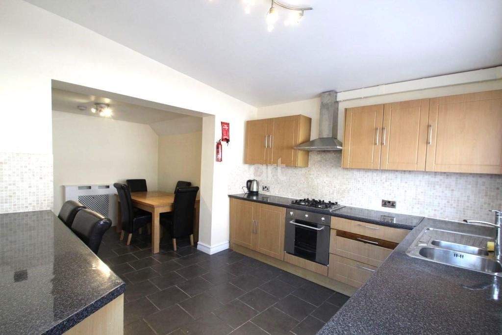 3 Bedrooms End Of Terrace House for sale in William Street, Grays