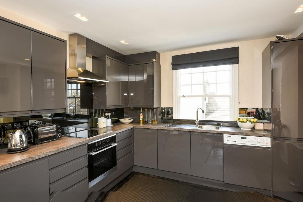 2 Bedrooms Flat for sale in St. Olaf's Road, Fulham, SW6