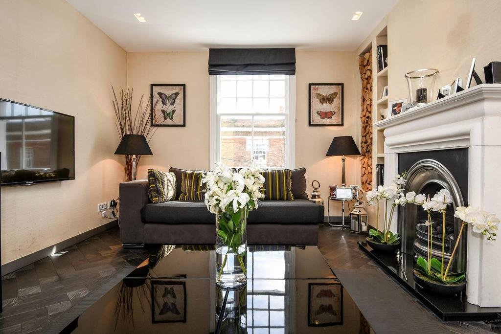 2 Bedrooms Flat for sale in St. Olaf's Road, Fulham