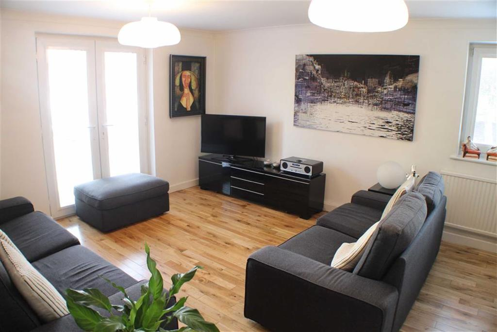 2 Bedrooms Flat for sale in Culvercliff Walk, St Johns Gardens, Manchester