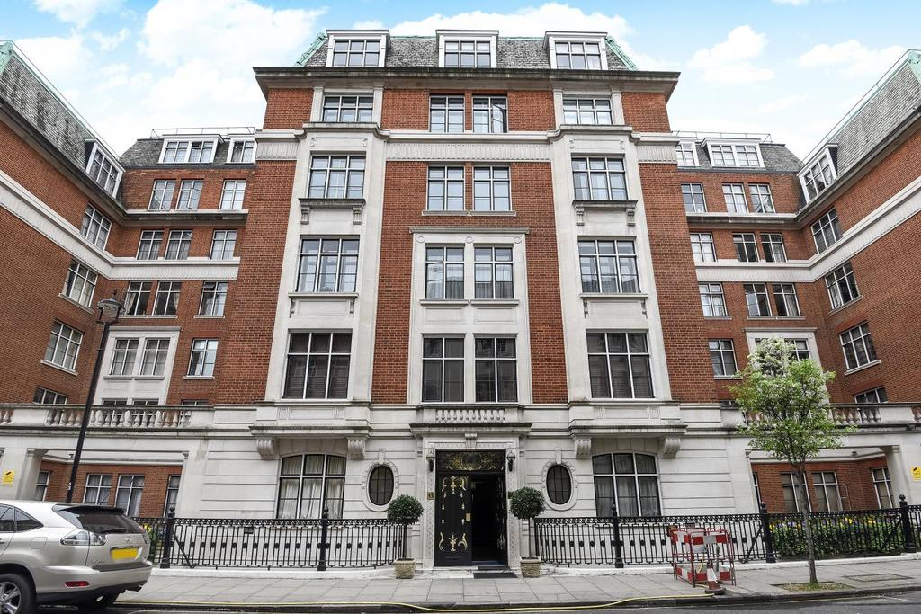 1 Bedroom Flat for sale in Hallam Street, Marylebone
