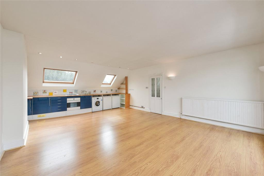 2 Bedrooms Flat for sale in Chesterton Road, London, W10