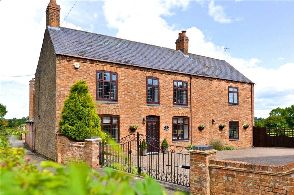 6 Bedrooms Detached House for sale in Tithe Road, Upper Weedon, Northamptonshire