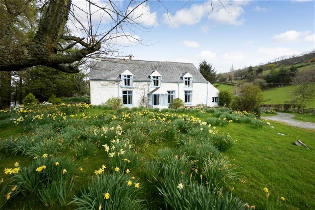 4 Bedrooms Detached House for sale in Melin Y Coed, Llanrwst