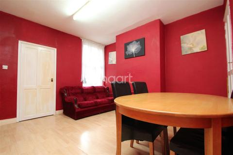 3 bedroom terraced house to rent - Glentworth Road, NG7