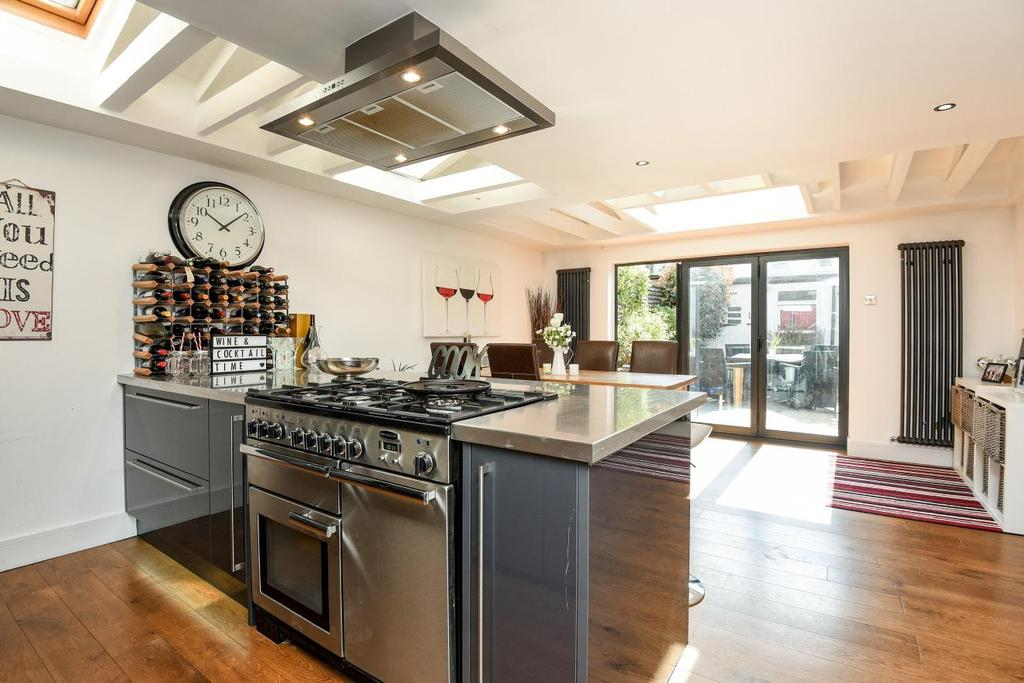 4 Bedrooms Terraced House for sale in Franche Court Road, Earlsfield, SW17