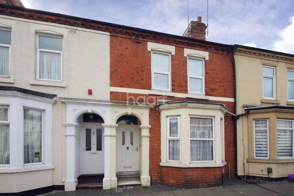 3 Bedrooms Terraced House for sale in Newcombe Road, St James, Northampton