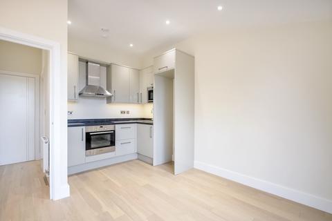 1 bedroom flat to rent - Sundial Court, Barnsbury Lane, Surbiton, KT5