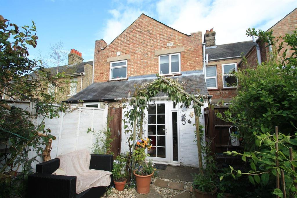 2 Bedrooms Terraced House for sale in Buckley Road, Eynesbury, St Neots