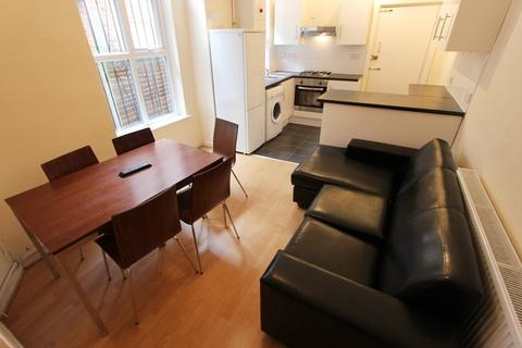 5 bedroom house to rent - Richmond Road, Fallowfield, Manchester, M14