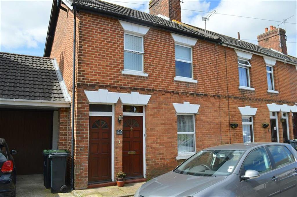 2 Bedrooms End Of Terrace House for sale in Crescent Road, Wimborne, Dorset