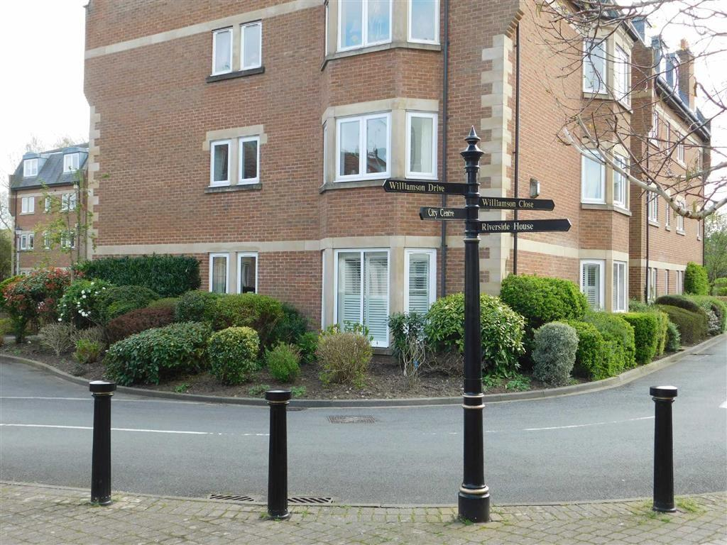 2 Bedrooms Apartment Flat for sale in Bishops Court, Ripon