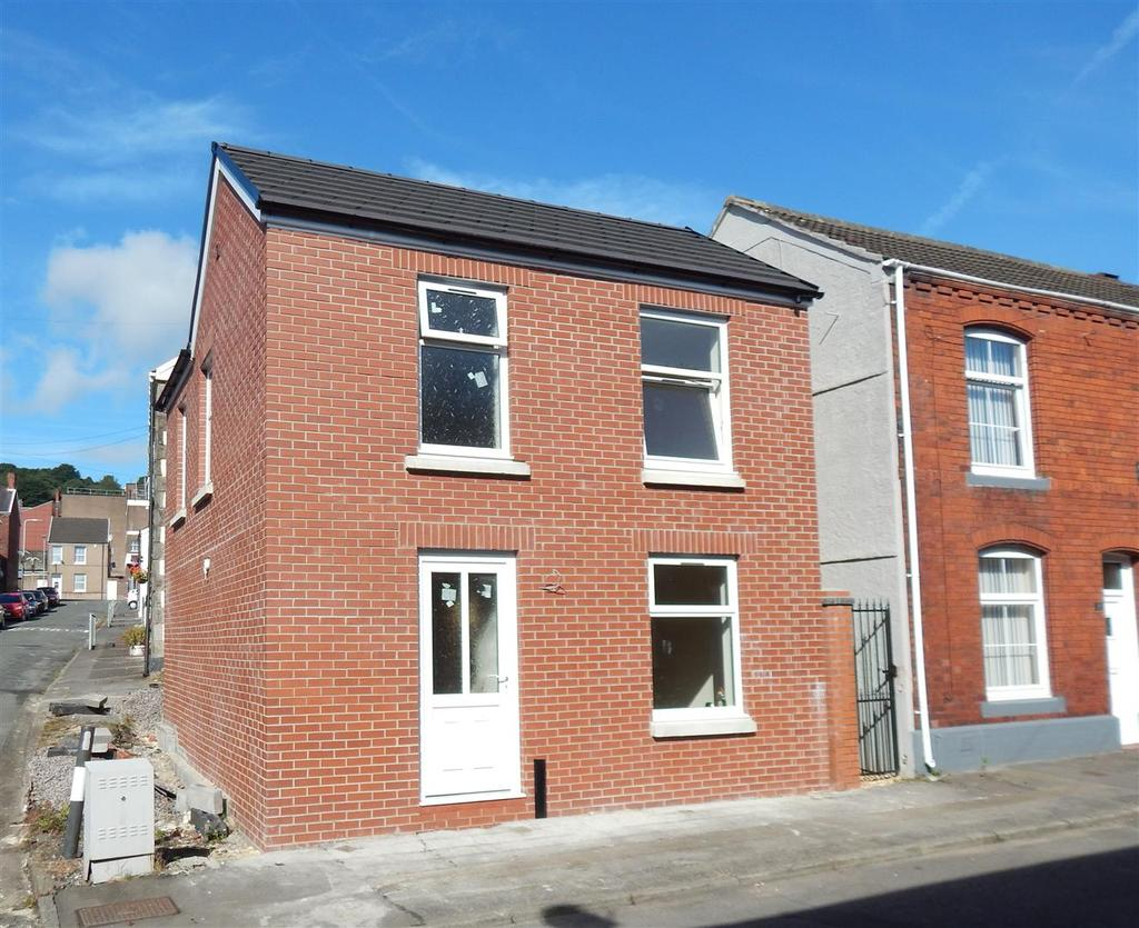 2 Bedrooms Detached House for sale in New Dwelling Green Street, Morriston, Swansea