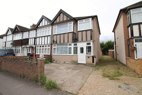 3 bedroom end of terrace house to rent - Shelson Avenue, Feltham, TW13