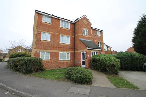 Studio to rent - Redford Close, Feltham, TW13