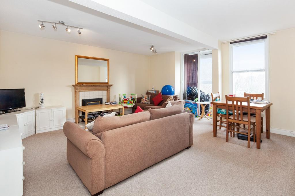 Hawk house sw11 2 bed flat 430 000 for Living room on main