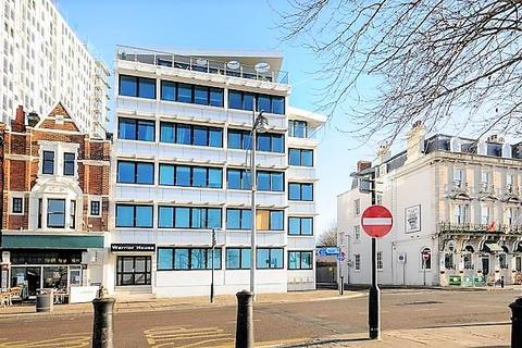 2 bedroom property to rent - The Hard, Portsmouth, PO1