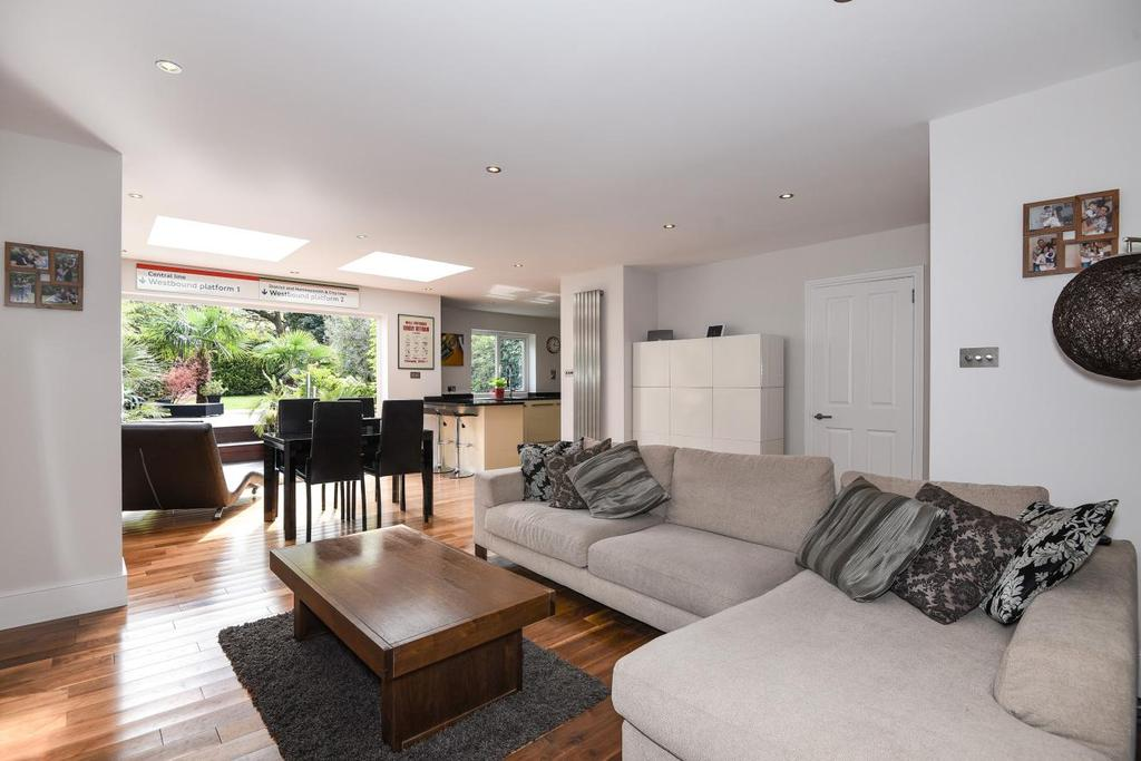 3 Bedrooms Semi Detached House for sale in Rossall Crescent, Park Royal, NW10