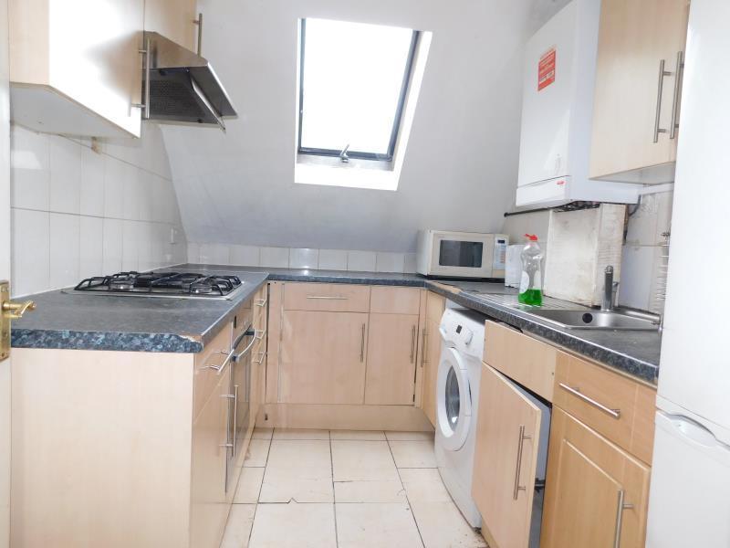 2 Bedrooms Flat for sale in Flat 5 Harrowdene Road, Wembley