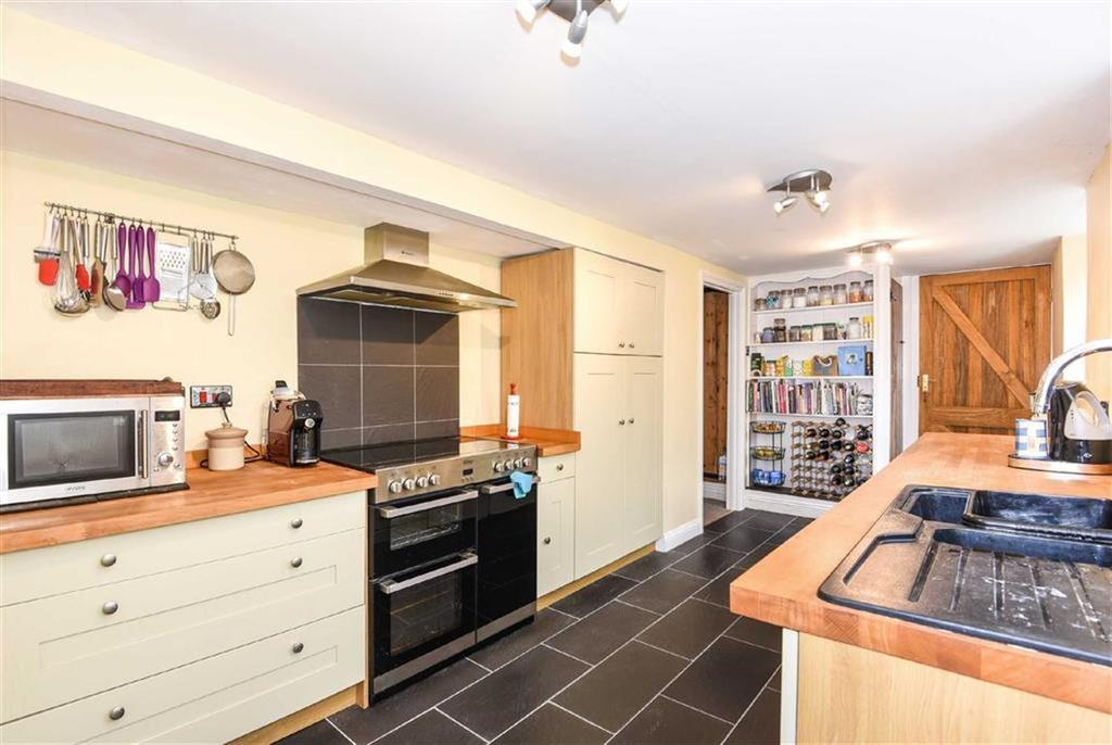 4 Bedrooms Detached House for sale in Stibb Cross, Torrington, Devon, EX38