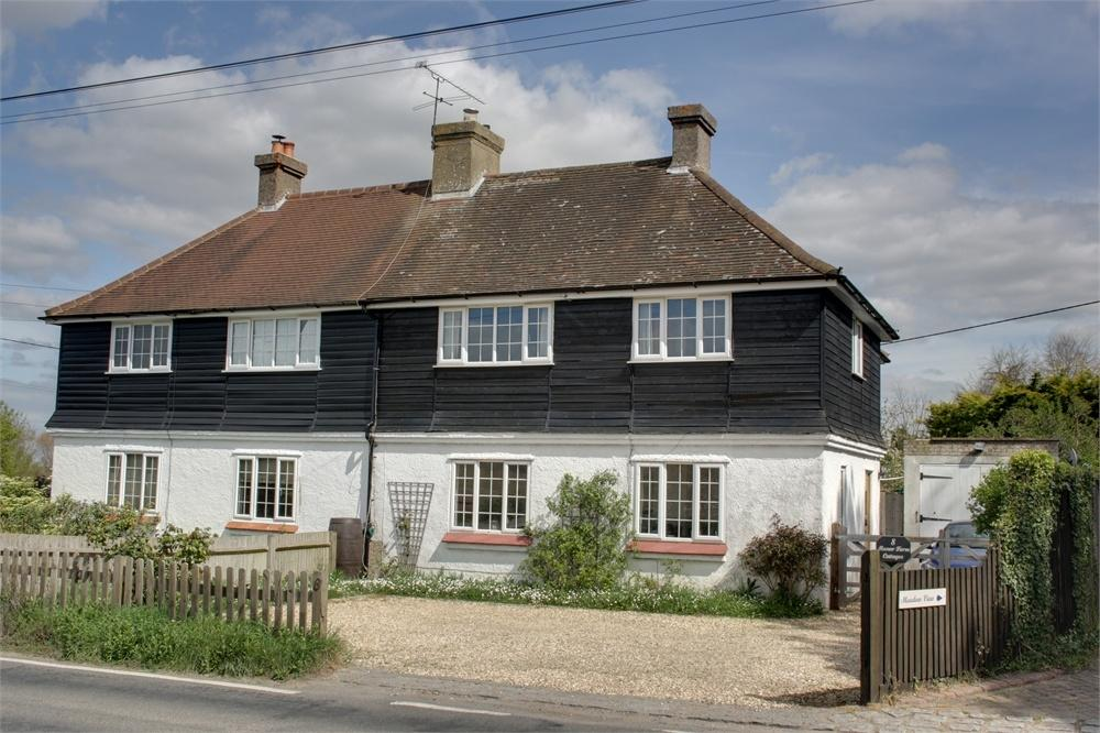 4 Bedrooms Cottage House for sale in Wanborough, Guildford, Surrey