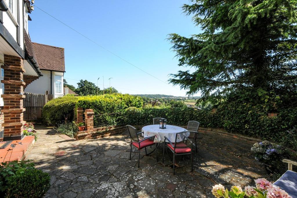 4 Bedrooms Detached House for sale in Harvest Bank Road, West Wickham, BR4