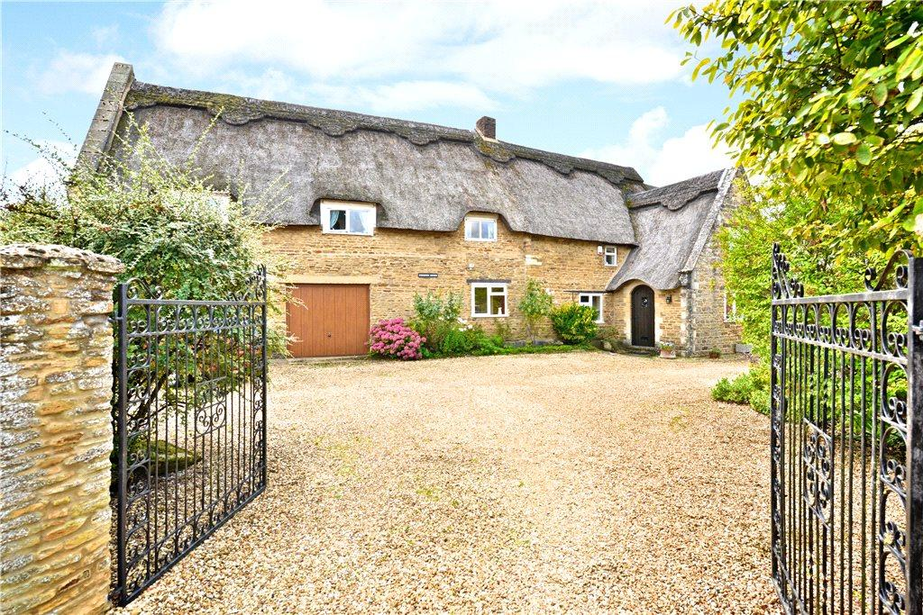 4 Bedrooms Unique Property for sale in Stocks Hill, Moulton, Northamptonshire