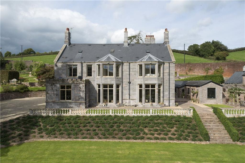 9 Bedrooms Detached House for sale in Hockworthy, Wellington, Devon, TA21